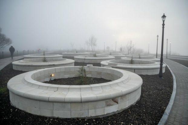 парк у монастыря 2